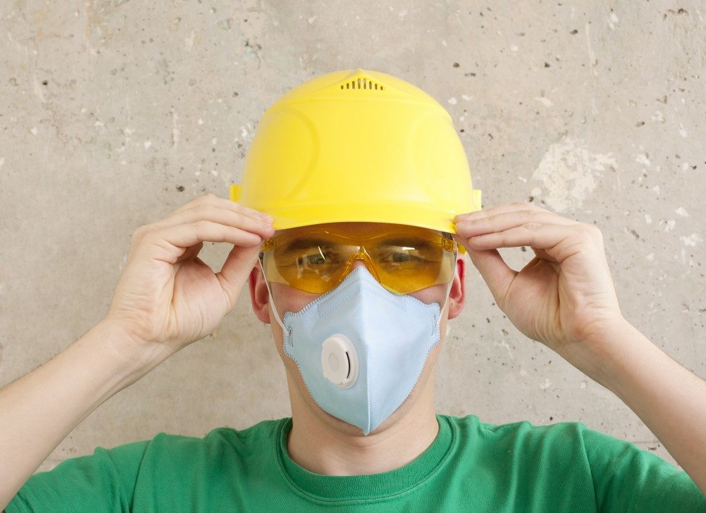 Man wearing a protective gear