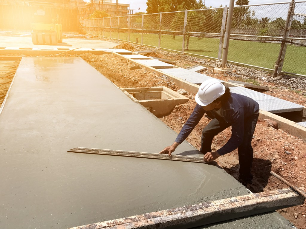 laying wet concrete