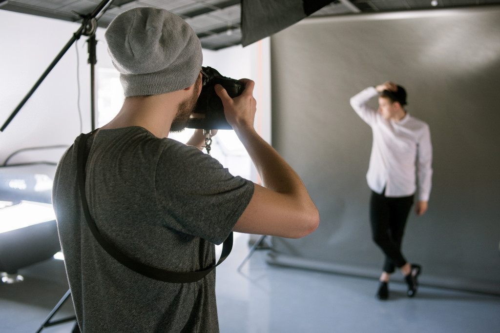 taking photos of model