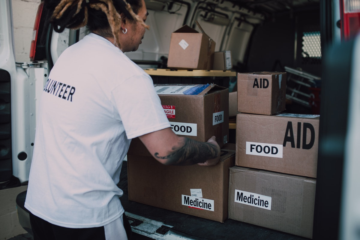 volunteer food aid